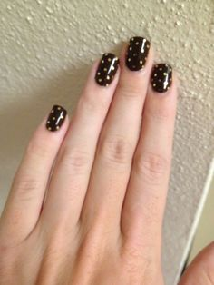 Brown polish and gold glitter for fall nails!