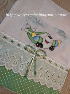 Tudo sobre Crochê e Pinturas em Tecidos Brother Innovis, Bebe Daniels, Boy Pictures, Kids Patterns, Painting For Kids, Fabric Painting, Baby Quilts, Diy And Crafts, Baby Boy