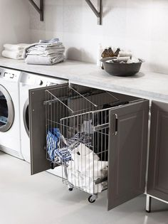 Laundry Room Inspiration, Laundry Room Makeover, Laundry Room Tile, Laundry Mud Room, Interior Design Trends, Home Design Decor, Interior Design Living Room, Laundry Room Design, Living Room Designs