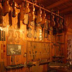 YoYo atelier   (@yoyoatelier) La #bottega del #liutaio #museodellascienza #museo #violini #milano #milan #italy #travel #travelling