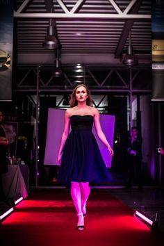 #fashion #show #dress #elegant #model #women #luxury #shop