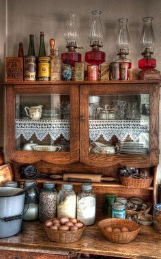 vintage farmhouse kitchen - displaying my oil lamps Vintage Farmhouse, Vintage Kitchen, Farmhouse Style, Farmhouse Decor, Vintage Country, Vintage Wood, Vintage Antiques, Antique Kitchen Decor, Antique Cupboard
