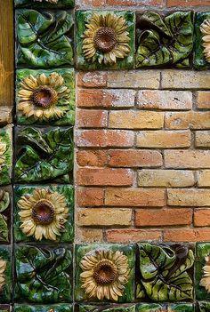Detalle del Capricho de Gaudí, Comillas  #Cantabria #Spain ~~ For more:  - ✯ http://www.pinterest.com/PinFantasy/arq-~-antoni-gaud%C3%AD/
