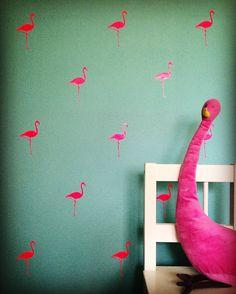 Wat een hippe muursticker! Ik wil die in fluor roze op mijn muur ❤️ By Perfect Little Touch