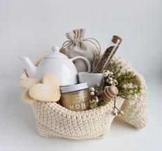 Tea sets are always a favorite of mine. Tea sets are always a favorite of mine. Tea Gift Baskets, Gift Baskets For Men, Themed Gift Baskets, Raffle Baskets, Gift Hampers, Spa Basket, 21st Birthday Gifts, Birthday Gifts For Boyfriend, Tea Gifts