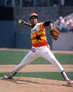 I'm pro-rainbow guts; deal with it. Player is J. Richard, one of the best pitchers in baseball till a stroke ended his career when he was only 30 years old. Houston Astros, Houston Rockets, Dodgers, Baseball Players, Baseball Cards, Baseball Stuff, Baseball Pics, Mlb Players, Football