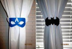 Quarto de super-heróis: 40 ideias de decoração poderosas! Boy Room, Kids Room, Boys Curtains, Avengers Room, Superhero Room, Door Stopper, Toddler Rooms, Curtain Tie Backs, Art Wall Kids