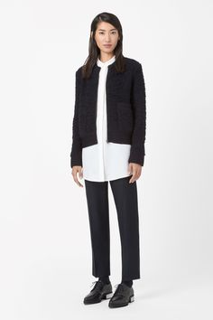 http://www.cosstores.com/de/Shop/Women/Knitwear/Textured_wool_cardigan/46889-21853201.1#c-24479