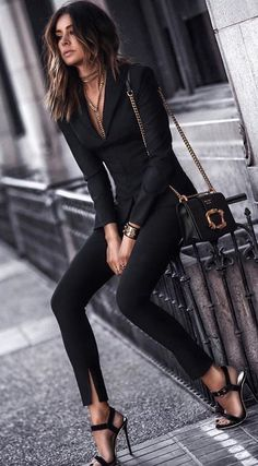 30 Spring Business Outfits To Be The Chicest Woman In Your Office just for our fans. Specialized office outfit ideas to be successful Mode Chic, Mode Style, Business Outfits, Business Attire, Business Casual, Business Meeting, Business Ideas, Mode Outfits, Fashion Outfits