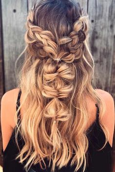 Medium, Beachy Waves with Ombre Highlights - 40 On-Trend Balayage Short Hair Looks - The Trending Hairstyle Short Wedding Hair, Wedding Hairstyles For Long Hair, Summer Hairstyles, Girl Hairstyles, Sporty Hairstyles, Girl Haircuts, Cute Braided Hairstyles, Bohemian Hairstyles, Latest Hairstyles