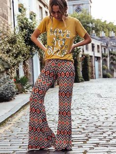 Pin by life clothing co on fall fashion in 2019 bell bottom pants, pants, f Fashion Over 50, New Fashion, Autumn Fashion, Boho Fashion, Fashion Trends, Backless Maxi Dresses, Maxi Dress With Sleeves, Bell Bottom Pants, Bell Bottoms
