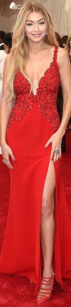 Red Carpet / Met Gala. Gigi Hadid in Diane von Furstenberg