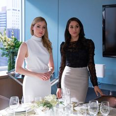 meghan markles most stylish moments in suits Rachel Zane proves she's the queen of power suits and cosy cashmere Suits Meghan, Suits Rachel, Meghan Markle Suits, Estilo Meghan Markle, Meghan Markle Style, Meghan Markle Movies, Suits Serie, Suits Tv Shows, Office Fashion