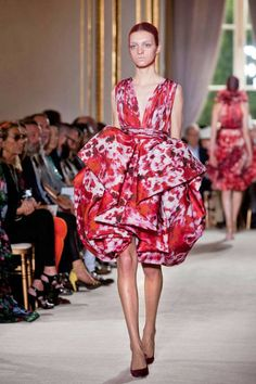 Giambattista Valli Fall 2012 Couture Runway - Giambattista Valli Haute Couture Collection - ELLE