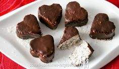 Chokladdoppad After Eight-tryffel Low Carb Desserts, No Bake Desserts, Low Carb Recipes, Snack Recipes, Snacks, Ketogenic Recipes, Low Carb Köstlichkeiten, High Protein Low Carb, Vegan Sweets
