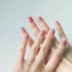 38 Stunning Neutral Nail Art Designs 2019 pink and grey colored nails Taupe Nails, Pink Nails, Blush Nails, Pastel Nails, Acrylic Nails, Coffin Nails, Pastel Nail Polish, Gradient Nails, Hair And Nails