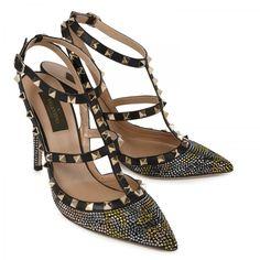 <-----yessss please!! Rock Stud crystal embellished pumps