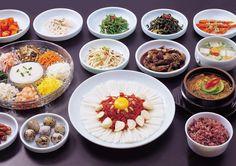 육회 Yookhoe Korean style beef sashimi with side dishes