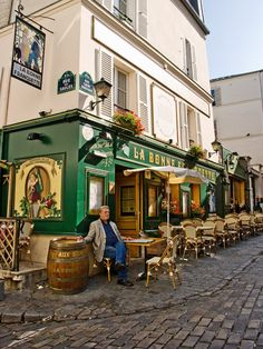 Montmartre -Paris - France ive been here and i miss it so much:(  #yellow #Paris #Montmartre
