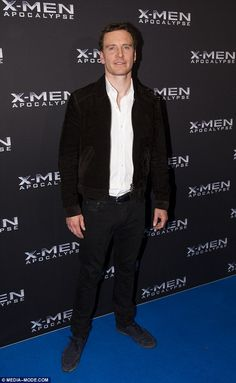 EVENT♢Flying solo Down Under! Michael Fassbender cut a relaxed and handsome figure as he attended the X-Men: Apocalypse premiere in Sydney, on Monday