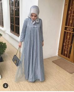 Dress brokat muslimah hijab fashion 22 trendy Ideas Banyo – home accessories Hijab Gown, Hijab Dress Party, Hijab Style Dress, Casual Hijab Outfit, Kebaya Muslim, Muslim Dress, Dress Brokat, Kebaya Dress, Abaya Fashion