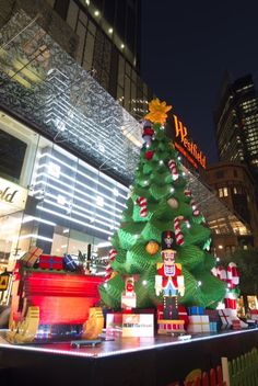 LEGO Christmas tree in Pitt St Mall Sydney. | Flickr - Photo Sharing!