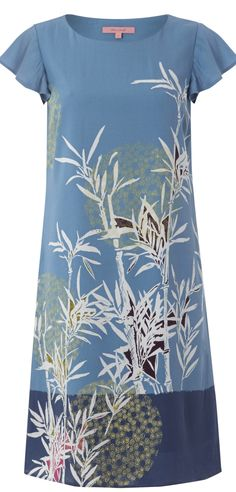 Cute modern Asian print tunic - read tips  - http://www.boomerinas.com/2015/04/07/7-florals-for-spring-summer-color-your-wardrobe/
