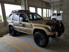 Risultati immagini per custom jeep liberty photos Jeep Xj, Jeep Cars, Custom Jeep, Cool Jeeps, Ford 4x4, Jeep Liberty, Lift Kits, Jeep Cherokee, Offroad