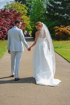 Laura wearing Jesus Peiro 6000 for a country house wedding - Miss Bush Blog