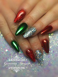 Christmas Glitter & Chrome Nails by Chrome Nails Designs, Acrylic Nail Designs, Acrylic Nails, Christmas Gel Nails, Holiday Nails, Christmas Glitter, Pink Chrome Nails, Chrome Nail Art, Chrom Nails