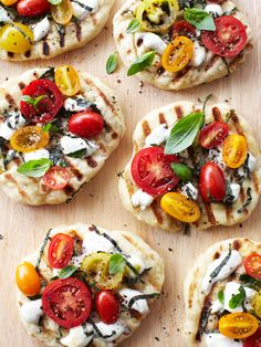 ~ Heirloom Tomato Pizzas ~