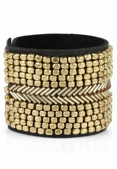 Beaded cuff / Blueberry / Rs.699