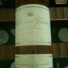 Chateau d'Yquem 1997 wine Napkins, Wine, Tableware, Dinnerware, Towels, Dinner Napkins, Dishes, Serveware