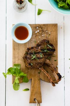 Sips and Spoonfuls: Grilled Lamb Chops with Garlic and Rosemary