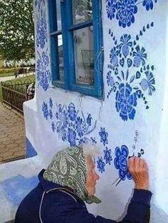 Grandmother Agnes Kašpárková delicately paints traditional Moravian ornament on an early century belltower Graffiti, Street Art, Art Populaire, Arte Floral, Urban Art, Belle Photo, Fresco, Blue And White, Blue Lace