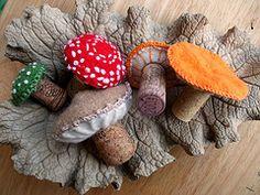 Felt and cork mushrooms (no instructions available) Felt Diy, Felt Crafts, Fabric Crafts, Projects For Kids, Crafts For Kids, Arts And Crafts, Felt Projects, Mushroom Crafts, Nifty Crafts