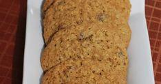 Voici une excellente recette de biscuits à l'avoine à glisser dans les boîtes à lunch. Le titre de la recette avait attirée mon attention ch... Biscuits, Boite A Lunch, Attention, Voici, Banana Bread, Cookies, Desserts, Food, White Chocolate