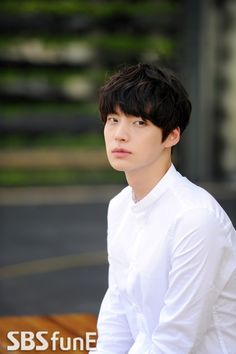 Ahn Jae Hyun - loving him in Blood right now! New Actors, Cute Actors, Actors & Actresses, Ahn Jae Hyun, Korean Star, Korean Men, Asian Actors, Korean Actors, Korean Dramas