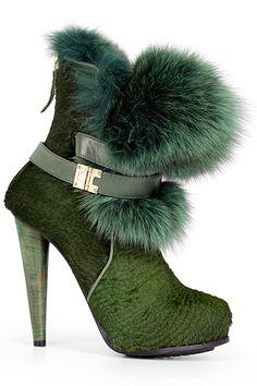 "Burak Uyan => SOURCE: @Bendrix ""Walking in Style .ME"" Board via. @Shoeniverse Blog"
