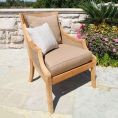 The versatile size of the Havana club chair transitions easily from relaxed dining chair to stylized lounge chair. Outdoor Lounge, Outdoor Rooms, Outdoor Chairs, Outdoor Decor, Club Chairs, Dining Chairs, Teak Outdoor Furniture, Furniture Ideas, Lounge Club