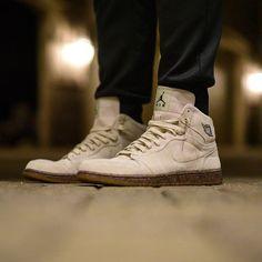 """Air Jordan 1 """"Woodgrain"""" Air Jordan Sneakers, Jordans Sneakers, Air Jordans, Friends Mom, Jordan 1, Scarlet, Kicks, Fox, Sweet"""