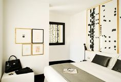 Black and white is done right in this bedroom that I spotted on Bijou & Boheme.