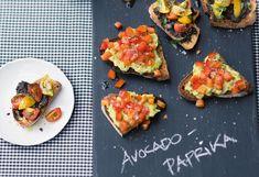 Avocado-Paprika-Bruschettas