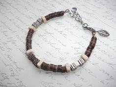 Bracelet de billes de bois et argent a par BijouxdeBrigitte sur Etsy, $15.00