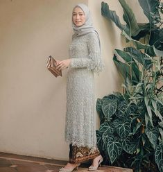 Kebaya Lace, Kebaya Dress, Batik Kebaya, Dress Pesta, Batik Dress, Kebaya Modern Hijab, Model Kebaya Modern, Kebaya Hijab, Kebaya Brokat