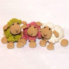 Ovejitas tejidas a crochet! El tutorial completo ya está en nuestra página web: www.tejiendoperu.com