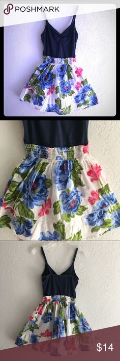 Pretty summer dresses NWOT pretty and comfortable, blue top connected elastic floral dress ,so adorable  Hollister Dresses Asymmetrical