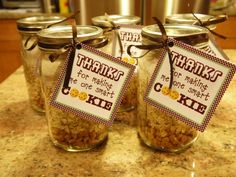 Oatmeal Scotchies Cookies in a Jar - Thanks for Making Me a Smart Cookie - Teacher Gift for Christmas Christmas Cookies Kids, Cookies For Kids, Sandwich Cookies, Sandwich Recipes, Oatmeal Scotchies, Meaningful Christmas Gifts, One Smart Cookie, Ball Jars, Grad Parties