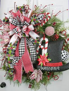 Welcome Peppermint Wreath | 25+ Beautiful Christmas Wreaths