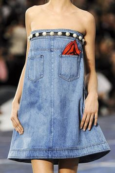 Chanel Spring 2013 Ready-to-Wear Detail. Why not ?